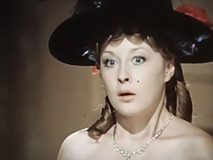Лариса Удовиченко в фильме *Летучая мышь*, 1978 | Фото: kino-teatr.ru