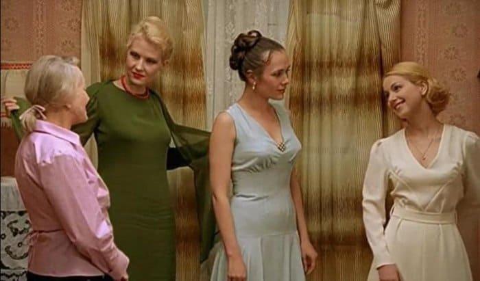 Рената Литвинова В Откровенном Платье – Граница: Таежный Роман (2000)