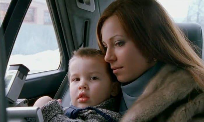 Екатерина Гусева в сериале *Бригада*, 2002 | Фото: kino-teatr.ru