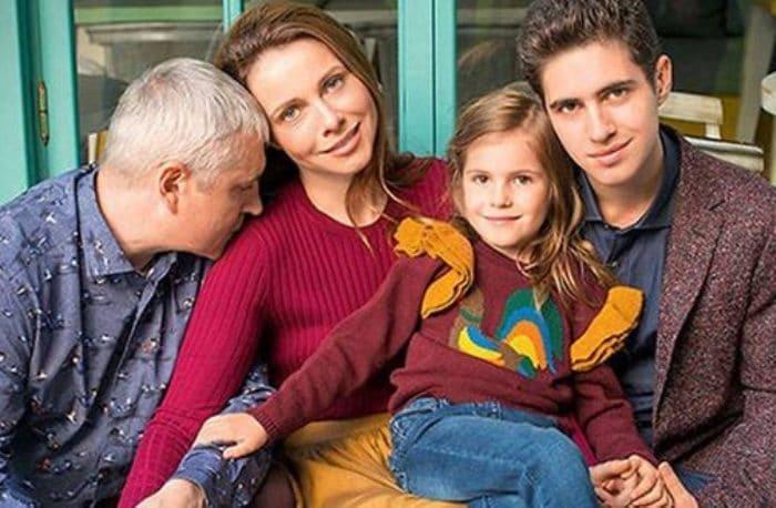 Екатерина Гусева с мужем и детьми | Фото: uznayvse.ru