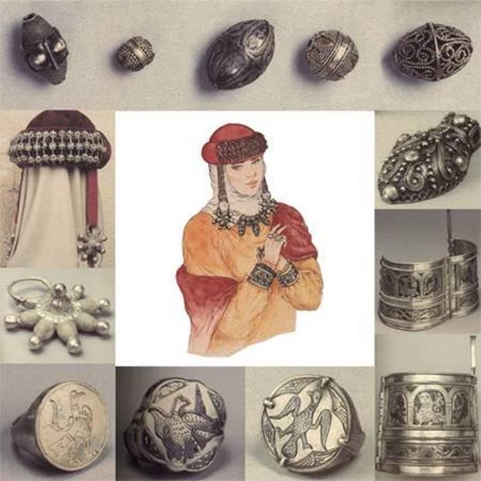 Часть ювелирных изделий *Большого Кремлевского клада* 1988 г. Рисунок А. Чебыкина | Фото: calend.ru