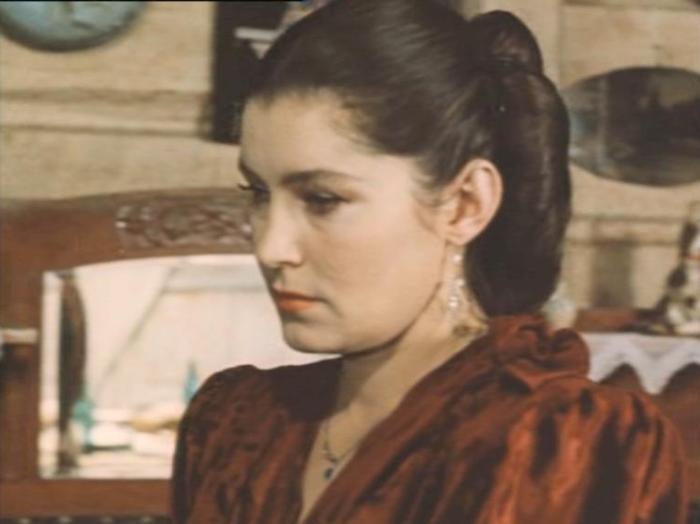 Валерия Заклунная в роли Клавдии | Фото: kino-teatr.ru
