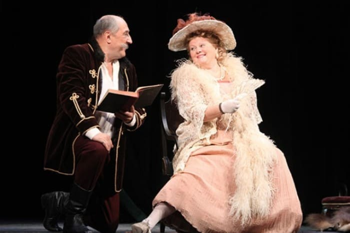 Борис Клюев и Ирина Муравьева на сцене театра | Фото: 24smi.org