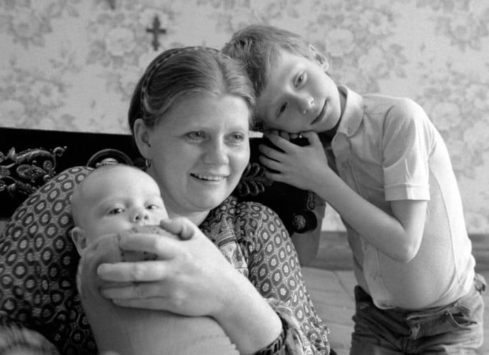 Актриса с сыновьями, 1983 | Фото: aif.by