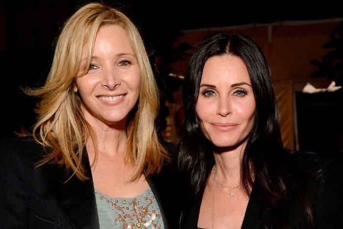 Лиза Кудроу и Кортни Кокс в наши дни | Фото: 24smi.org
