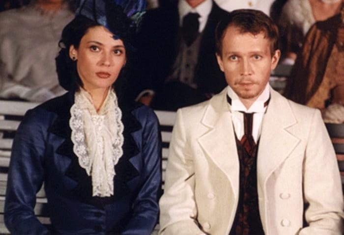 Кадр из сериала *Идиот*, 2003 | Фото: spletnik.ru