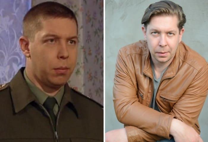 Иван Моховиков в сериале *Солдаты* и в наши дни | Фото: teleprogramma.pro и kino-teatr.ru