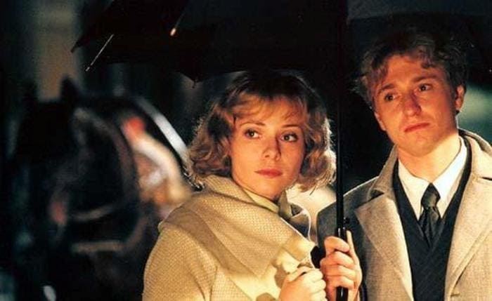 Екатерина Гусева и Сергей Безруков в сериале *Есенин*, 2005 | Фото: ru.kinorium.com