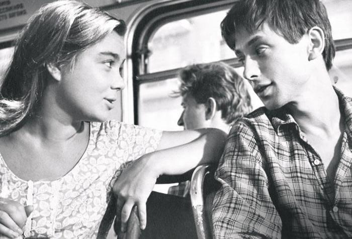 Нина Дорошина и Олег Даль в фильме *Первый троллейбус*, 1963 | Фото: 7days.ru