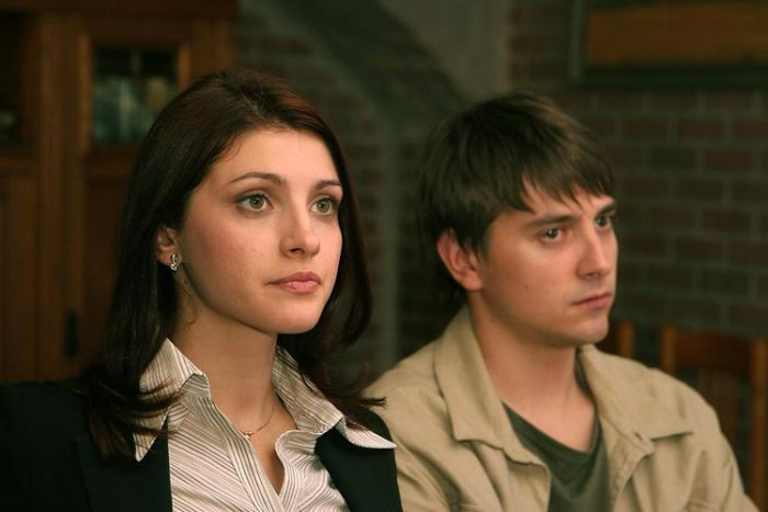 Анастасия Макеева и Петр Кислов в сериале *Сеть*, 2007 | Фото: kino-teatr.ru