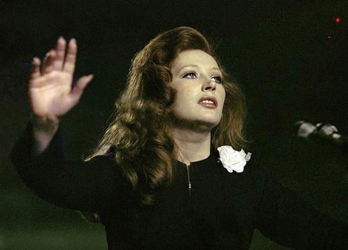 Алла Пугачева в фильме *Женщина, которая поет*, 1978 | Фото: kino-teatr.ru