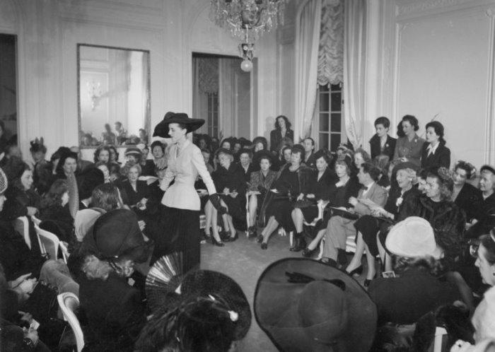 Первый показ Christian Dior, Париж, 12 февраля 1947 г. | Фото: style.rbc.ru