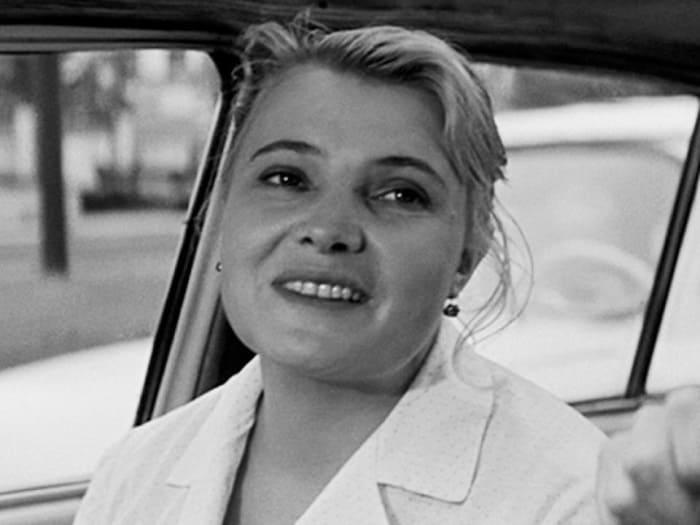 Татьяна Доронина в роли Нюры в фильме *Три тополя на Плющихе*, 1967   Фото: domkino.tv