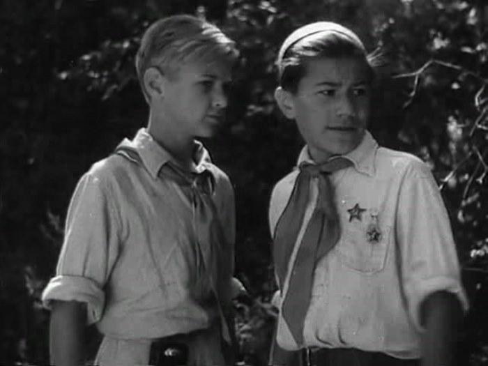 Николай Кутузов в фильме *Тимур и его команда*, 1940 | Фото: kino-teatr.net