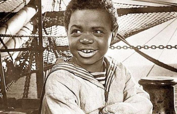 Толя Бовыкин в фильме *Максимка*, 1952 | Фото: liveinternet.ru
