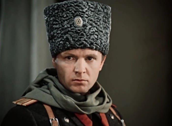 Андрей Мягков в фильме *Дни Турбиных*, 1976 | Фото: kino-teatr.ru