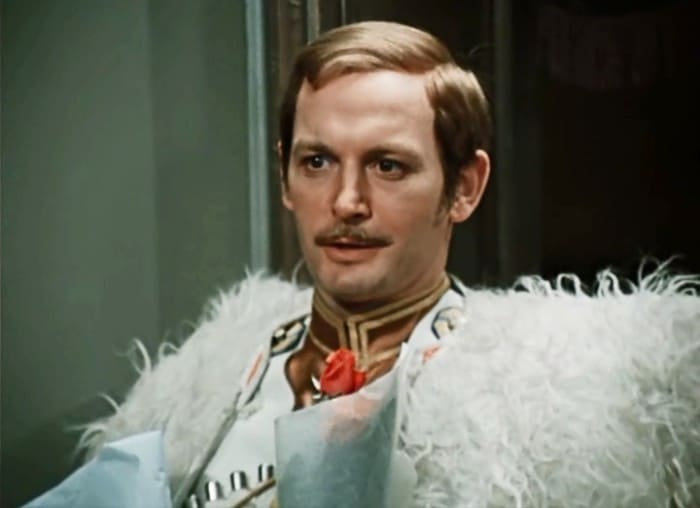 Василий Лановой в фильме *Дни Турбиных*, 1976 | Фото: kino-teatr.ru