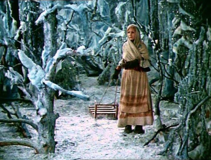 Кадр из фильма *Двенадцать месяцев*, 1972 | Фото: kino-teatr.ru