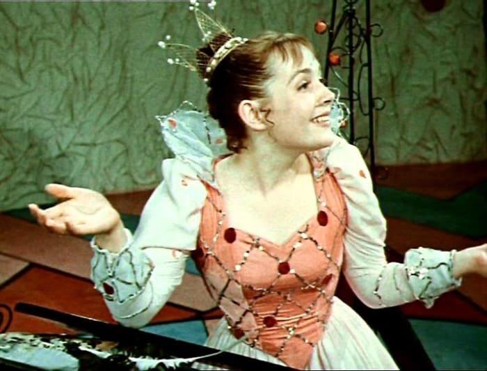 Лиана Жвания в роли королевы | Фото: kino-teatr.ru