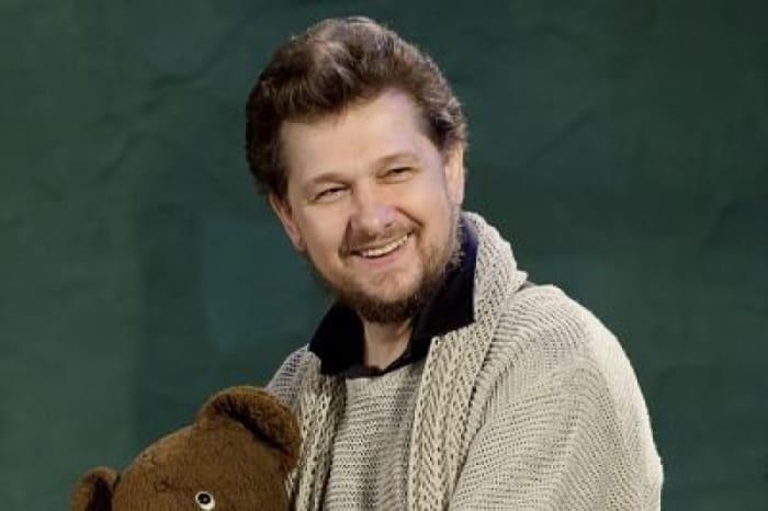 Актер театра и кино, исполнитель духовных песнопений Александр Михайлов   Фото: kino-teatr.ru