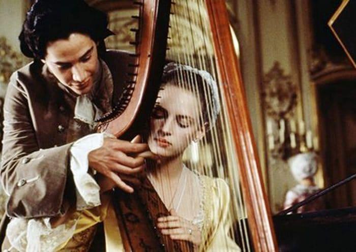 Кадр из фильма *Опасные связи*, 1988 | Фото: uznayvse.ru