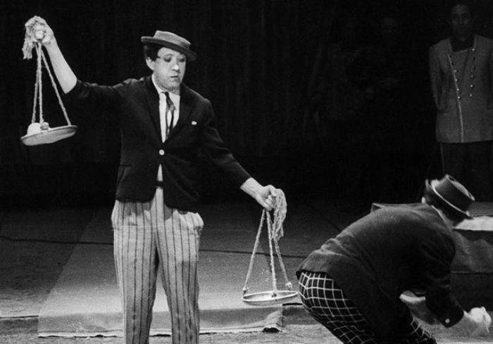 Юрий Никулин на арене цирка | Фото: smolnarod.ru