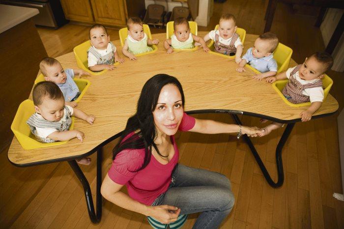 Всего у Нади Сулеман 14 детей