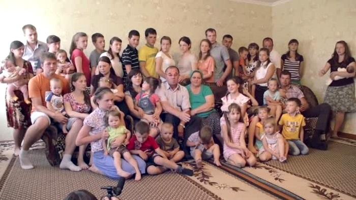 В семье Шишкиных 20 детей