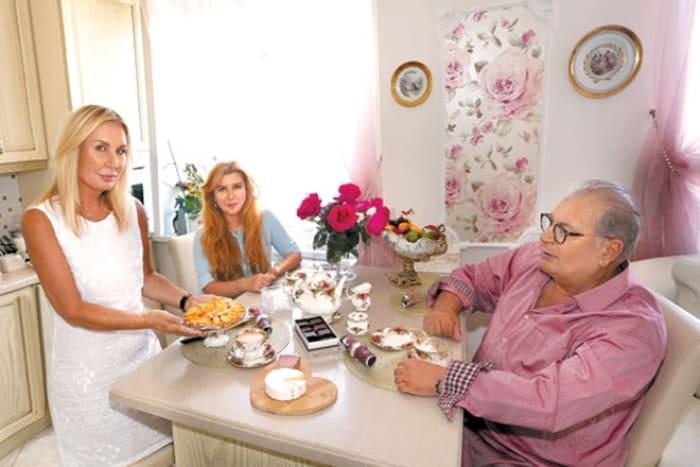 Актер с женой, Лидией Рябцевой, и приемной дочерью | Фото: 24smi.org