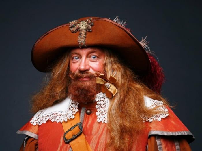 Актер в образе Портоса | Фото: semyarf.com