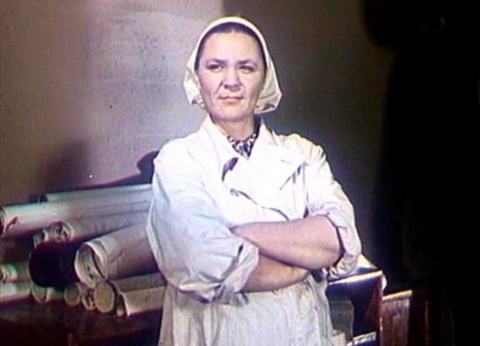Валентина Телегина в фильме *Поезд идет на восток*, 1947 | Фото: kino-teatr.ru