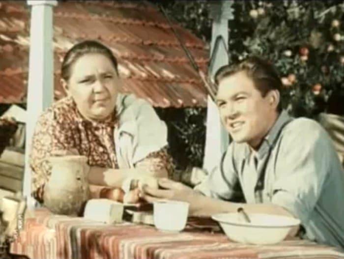 Кадр из фильма *В степи*, 1951 | Фото: kino-teatr.ru