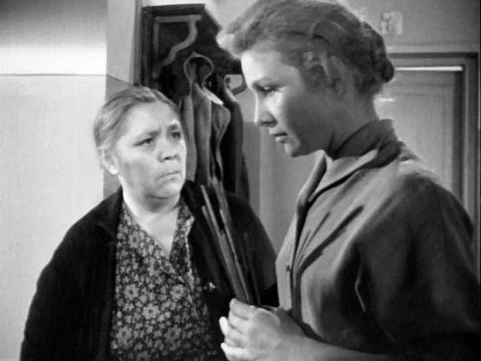 Кадр из фильма *Дом, в котором я живу*, 1957 | Фото: stuki-druki.com