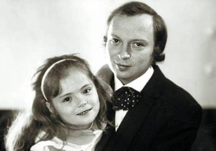 Валерий Ободзинский с дочерью   Фото: chtoby-pomnili.com