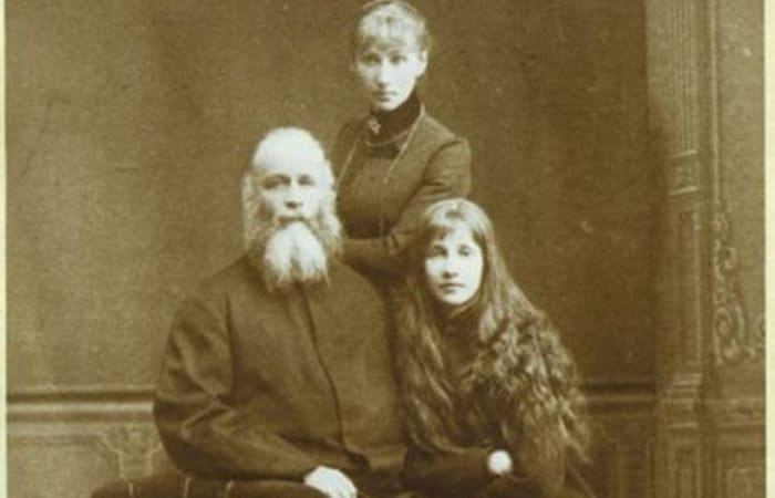 Григорий Пушкин с семьей   Фото: ngkub.ru