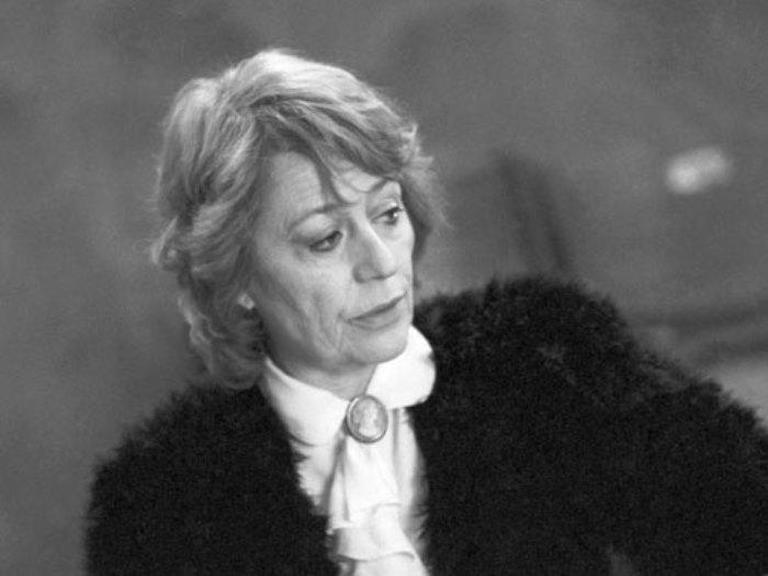 Анни Жирардо в роли пианистки Веры Лотар-Шевченко, 1989 | Фото: kino-teatr.ru