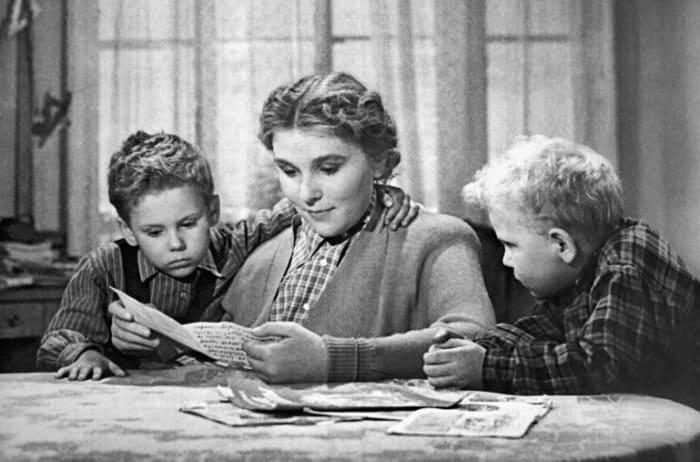 Кадр из фильма *Чук и Гек*, 1953 | Фото: kino-teatr.ru