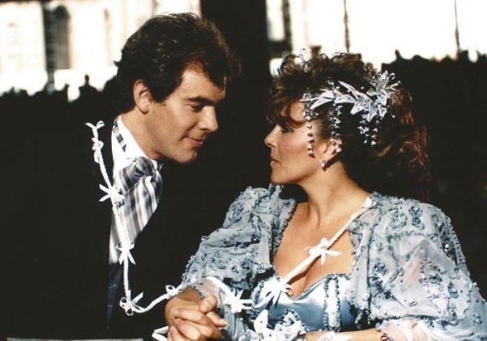 Кадр из сериала *Дикая роза*, 1987 | Фото: cdnnz.net