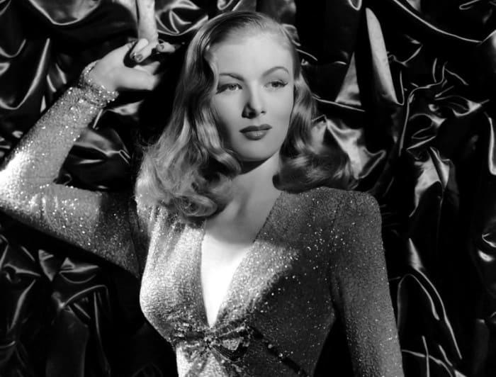 Звезда американского кино 1940-х гг. Вероника Лейк | Фото: ygashae-zvezdu.livejournal.com