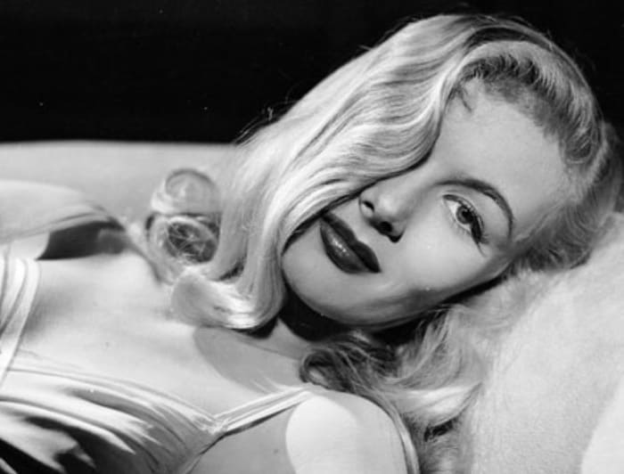 Звезда американского кино 1940-х гг. Вероника Лейк | Фото: retro-ladies.livejournal.com