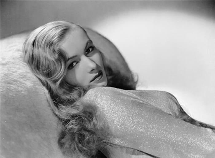 Легенда Голливуда 1940-х гг. Вероника Лейк | Фото: vev.ru