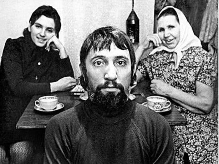 Сценарист с женой и матерью | Фото: sobesednik.ru