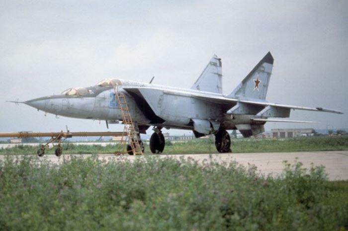Истребитель МиГ-25   Фото: bskltd.ru