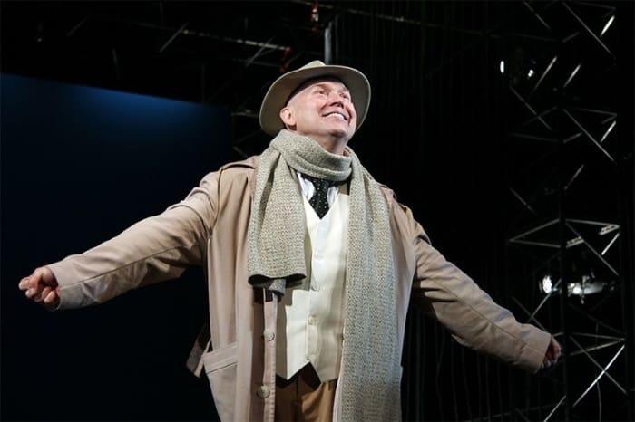 Виктор Сухоруков на сцене театра | Фото: vokrug.tv
