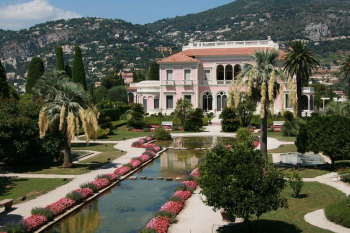 Вилла, над созданием которой трудились 20 архитекторов в течение 6 лет | Фото: villa-ephrussi.com