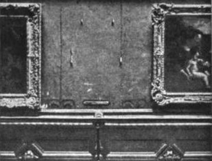 Место, где висела *Джоконда* в Лувре, 1911 | Фото: zakonia.ru