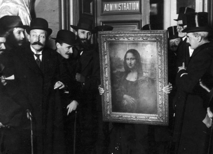 Возвращение *Джоконды* в Лувр, 1914   Фото: zakonia.ru