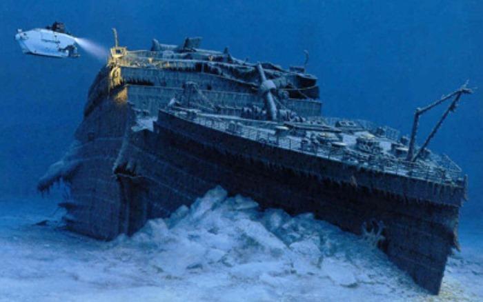 *Титаник* под водой