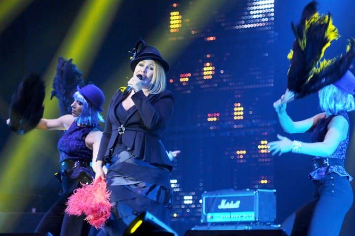 Певица продолжает сольную карьеру | Фото: starhit.ru