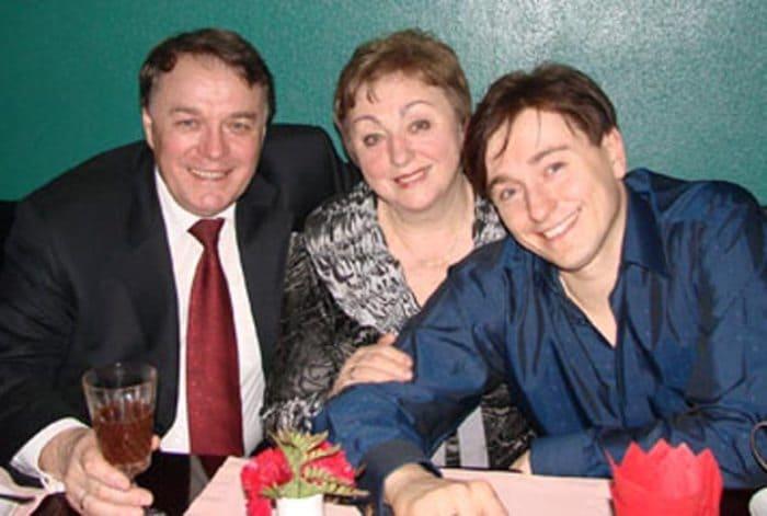 Виталий Безруков с женой и сыном | Фото: stuki-druki.com